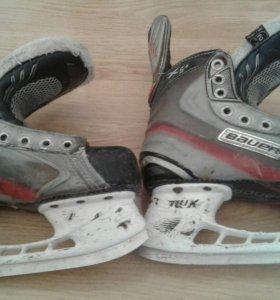 Коньки хоккейные Bauer размер 35,5