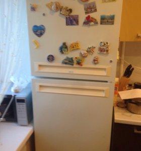 Холодильник,стиральная машина