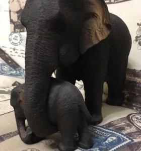 Статуэтка, фигурка из дерева Слониха со слоненком