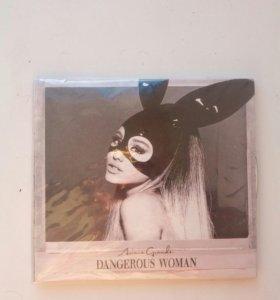 Альбом Ariana Grande (DELUXE)