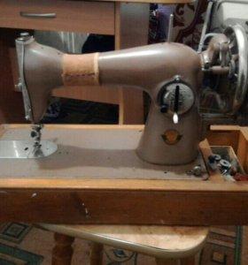 Швейная машинка МС-1.
