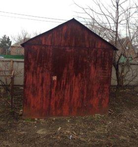 Малогабаритный металлический гараж