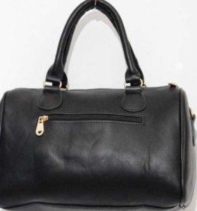 Чёрная сумка бочонок