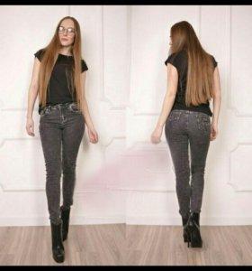 Новые джинсы 46