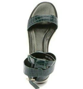 Босоножки / сандалии