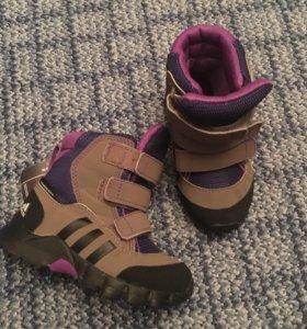 Ботинки детские Adidas 23 р