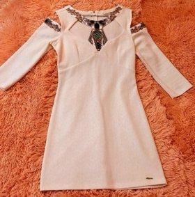 Платье. Красивое и стильное.