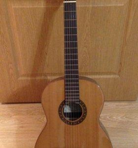 Электроакустическая гитара Cremona 977EA