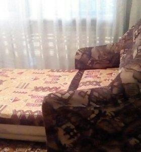 Продаю малогабаритный диван!