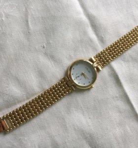 Наручные часы, женские