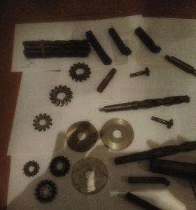 Металлорежущий инструмент для токарного дела