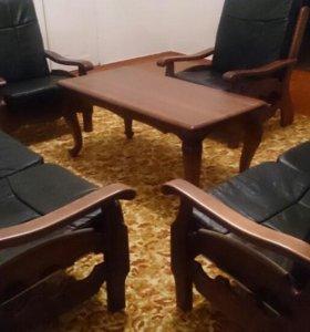 Кожаная мягкая мебель