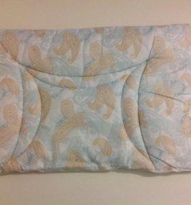 Подушка для младенца в кроватку