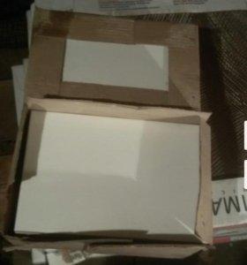 Керамическая плитка, белая.
