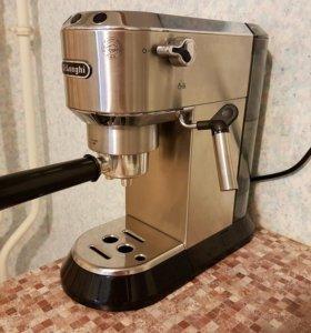 Кофеварка Delonghi Dedica EC680