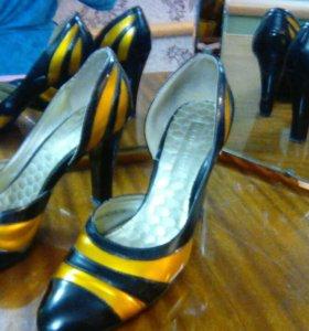 Красивые туфли .размер 38,5