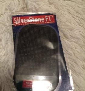 Коврик для приборной панели SilverStone F1