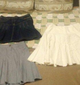 Юбки, джинсовая 50-52, белая 50-54, серая 48-50