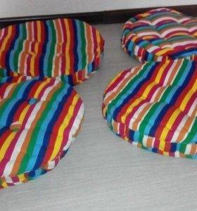Подушки на стулья Новые