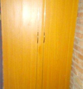 Шкаф платьевой
