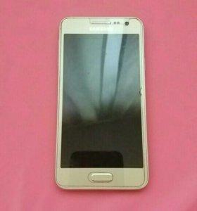 Продаю Samsung A3