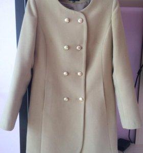 Пальто с подарком