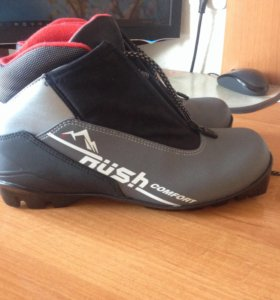 Отличные лыжные ботинки