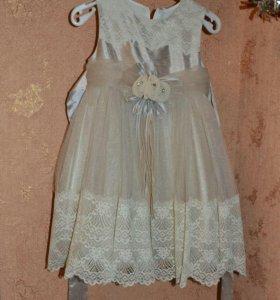 Платье 98-104 размер, туфельки 21 размера.