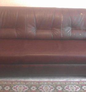 СРОЧНО!Комплект мягкой мебели:диван и два кресла