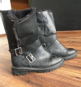 Ботинки зимние Bershka