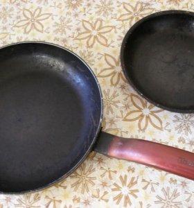 2 сковороды