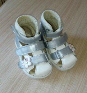 Ортопедические туфли, босоножки, сандали