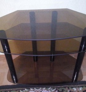 Стеклянная подставка под телевизор