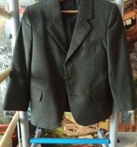 Пиджак на мальчика р-р124
