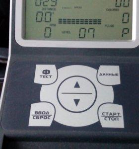 Эллиптический тренажер, max вес пользователя 130кг