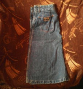 Продаю: Женскую юбку джинсовую!