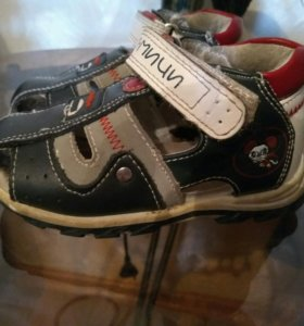 Детские сандальки