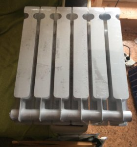 Биметаллический радиатор (батарея)