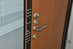 Ремонт стальных дверей