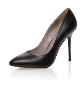 Туфли черные 37 р