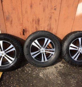 Продам комплект зимних колёс на дисках.
