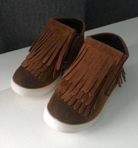 Детские ботиночки размер 21-22