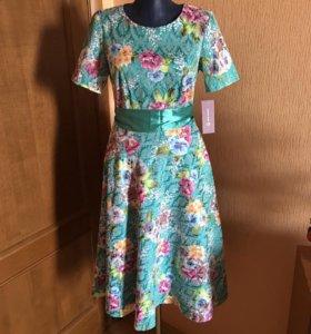 Платье новое до колена