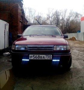 Opel vectra a 1,8 100л.с 1992г.в