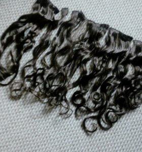 Вьющиеся волосы на заколках