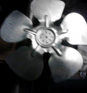 Двигатель с вентилятором от холодильной установки