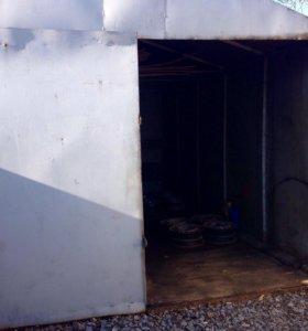 Мелаллический гараж