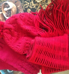 Комплект шарф шапка и перчатки