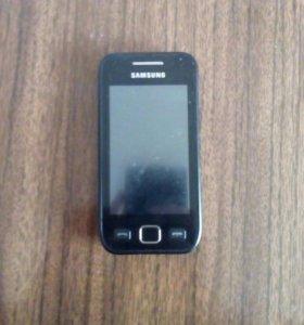 Samsung (экран немного потрёпан)