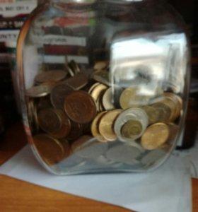 Куча монет разных годов